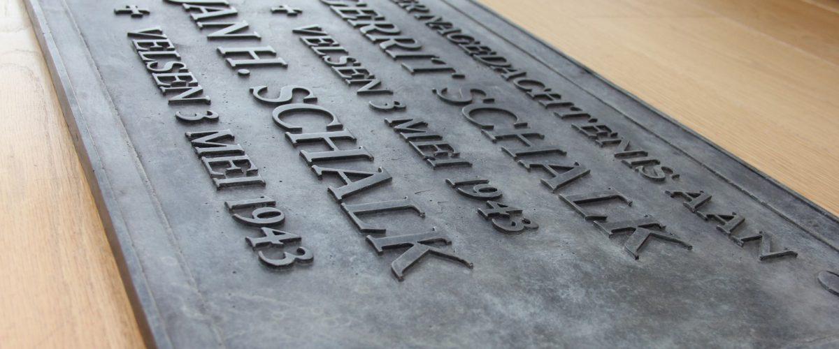 Bronzen gedenkplaat maken ter nagedachtenis