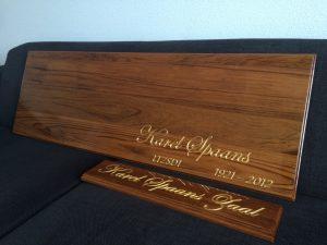 display bord met bladgoud ingelegd